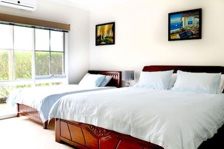 Queen Deluxe Private Room @ Bayview Estate B & B - Oda + Kahvaltı