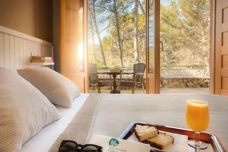 Duerme en un Balneario entre pinos - Cofrentes