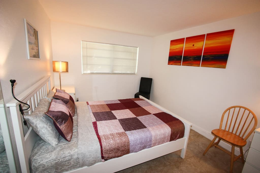 Great apartment nearby Beach&Shops