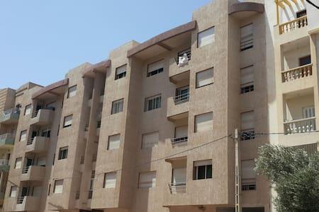A vendre appartement moyen standing - Huoneisto