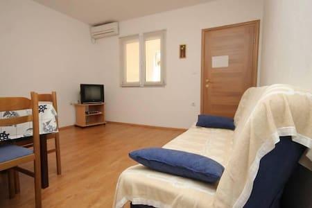 One bedroom apartment near beach Zaklopatica, Lastovo - Zaklopatica - Other