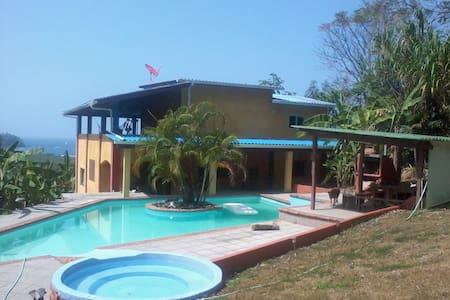Casa Macana - Cacique - Hus
