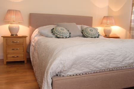 Cotswold Lodge - Witcombe - Apartment