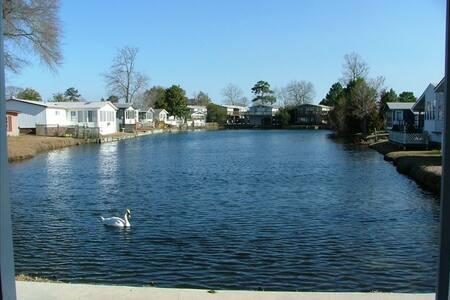 Lakefront Home -Oceanside Village