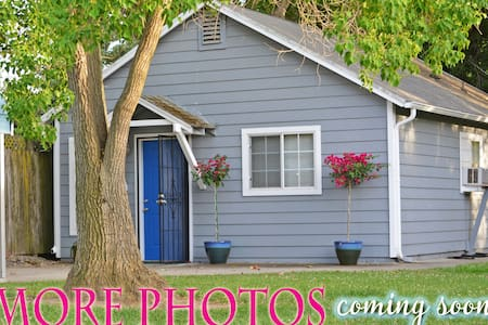 BLUEBERRY COTTAGE ~ Clean, Private and Comfortable - House