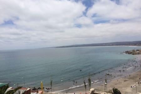 Casa con magnífica vista al oceano - Ház