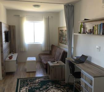 Amplo, novo e central - Rodoviária - Curitiba - Appartamento