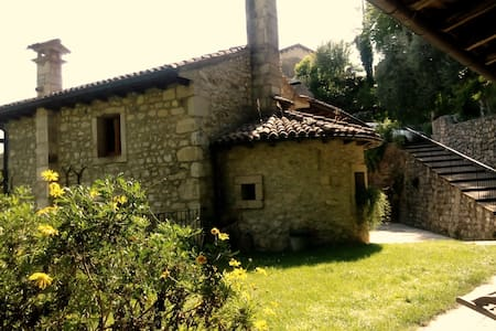 Al  Mulino risale  fine 500' - House