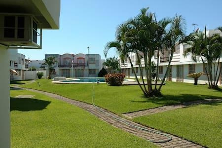 Casa 3 rec en condominio,  alberca. - Acapulco - Huis