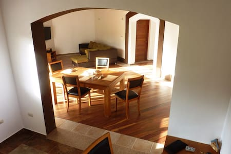 Spacious villa in naturist village - Villa Magante - Huis