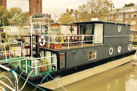 Marvellous Chelsea houseboat on the River Thames - Houseboat Chelsea - Boat