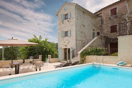 Casa Gradinje with swimming pool - House
