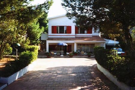 Villa sul mare a Marina di Lizzano - Villa