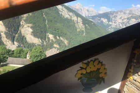 In località Gleise appartamento in baita con vista - Cabin