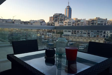 LUXURY APT IN ST JULIAN'S WITH ASTONISH VIEW - Apartamento