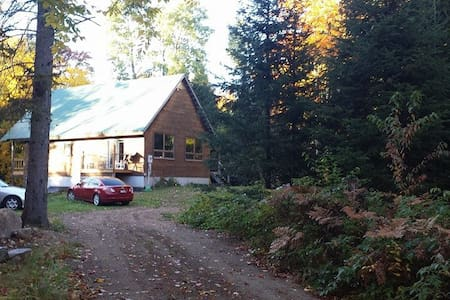 Snowmobilers secluded rustic oasis - South River