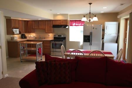 Lovely Chesapeake Bay Apartment Rental 2BR/1BA - Huntingtown - Apartment