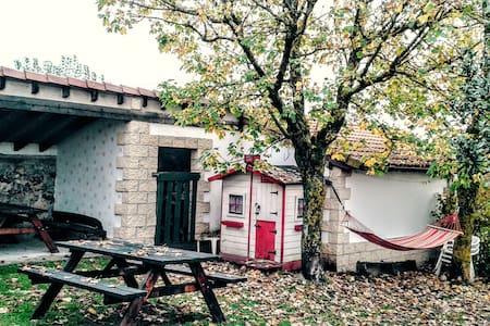 Casa Rural, cerca de un lago . WIFI - Alfoz de Santa Gadea