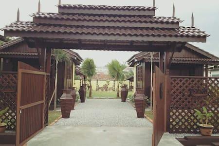 Limaskanai Family Chalet, Seremban - Faház