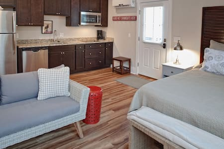 Old Town Bluffton Carriage Apt. - Bluffton - Apartment