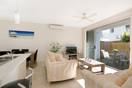 Great location 3br family friendly - Maroochydore - Apartment