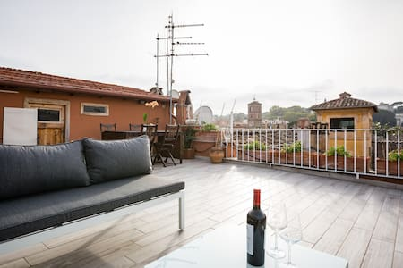 PENTHOUSE: TRASTEVERE-CAMPO, 3 BED-TERRACE-VIEWS - Rom - Wohnung