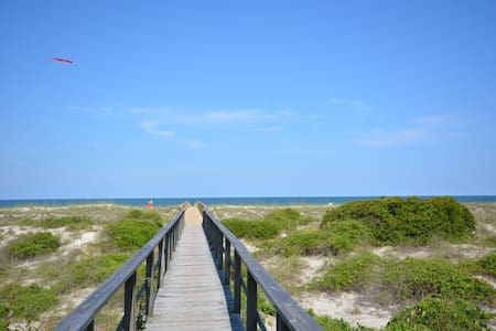 Oceanfront Townhome with Great Views - Fernandina Beach - Radhus