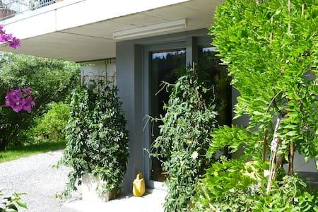 Liebevoll eingerichtete 2-Zimmerwohnung im Grünen - Bühler - Apartment