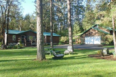 Cabin Country Living - Eugene - Cabin