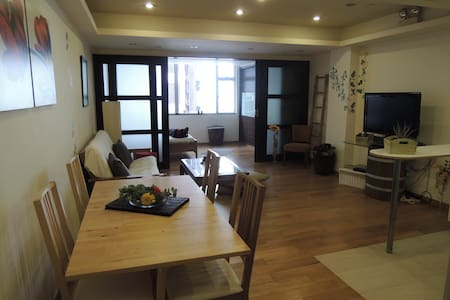 Cosy flat in the heart of Sheung Wan - Hong Kong - Apartment