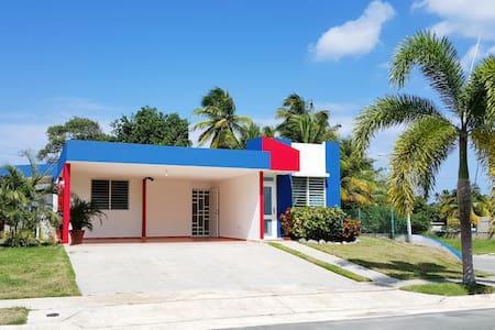 Los Corales Beachfront House! (Pool open!) - Dům