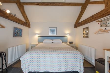 Self-catering farm B&B near Bath #3 - Bed & Breakfast