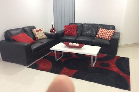Homely Stay - Queens Park