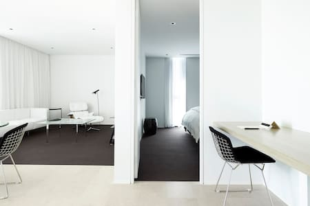Luxury One Bedroom Studio Apartment - Barton - Servicelägenhet