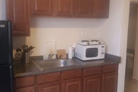 Apartment 204 - Monrovia - Departamento