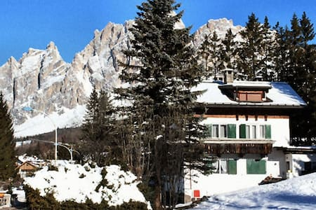 Cortina - in sunny area, very close to the center - Apartment