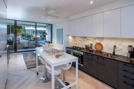 Luxury Studio With Parking in Woolloomooloo WMLOO - Lejlighed