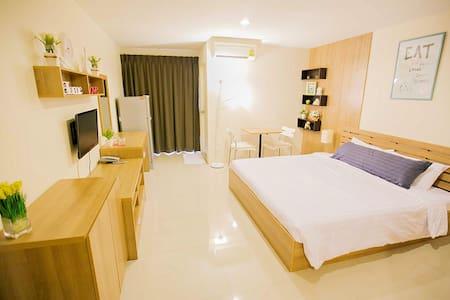 Corner39 Apartment Nice Place in Soi ramkamheang39 - Bangkok