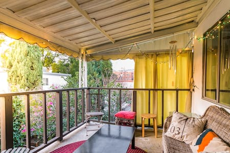 Peaceful apartment in duplex - West Hollywood - Apartment