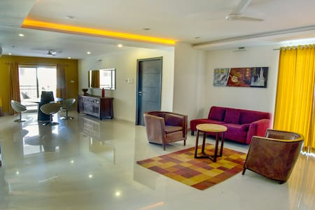 3 BHK Comfort Stay in Gachibowli - Hyderabad - Wohnung
