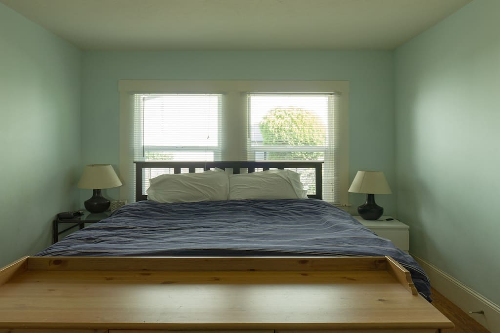 Queen sized bed with a sleep number mattress