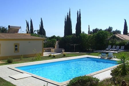 Family owned villa with pool and spectacular views - Lagoa - Villa