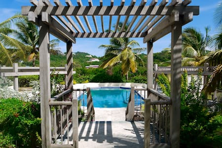 3 bedroom luxury - Villa Carouge - Cap Estate - Gros Islet - Villa