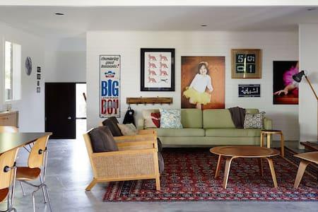Light filled, modernist Beach House - Haus