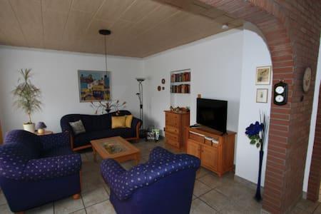Laatzen, 3 Zimmerwohnung, 85 m² - Laatzen - Appartement