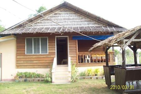 Private Beachfront Villa @ Paniqui Cove, Romblon
