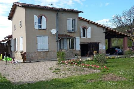 Maison isolée à la campagne (45mn de Toulouse) - Dom