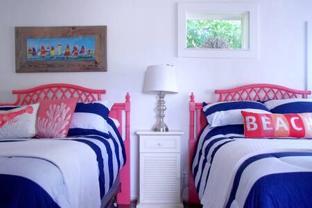 Newly Listed!Two Palms Beach House! - Panama City Beach - Casa