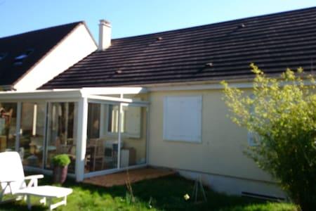 maison et veranda - Magnanville - Talo