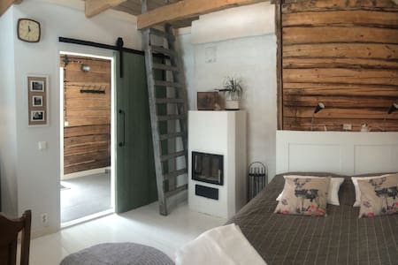Cosy sauna cottage with a hot tub - Porvoo